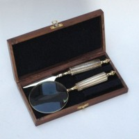 Letter reading Kit. Magnifyer and Opener in wooden box